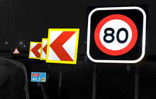 night-highway-signs-220-140